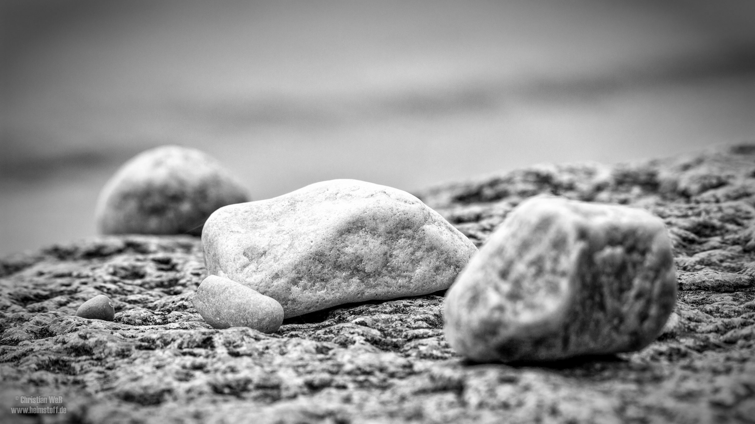 Steine.